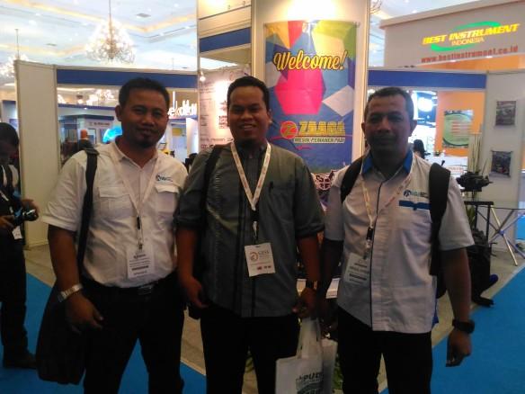 PJs. Ketum IGI Bekasi, pak Bhayu Sulistiawan (tengah) bersama Sekjen IGI Pusat pak Mampuono (kiri) dan Ketua Bidang Peningkatan Mutu Guru  IGI Pusat, pak Abd. Karim (kanan)